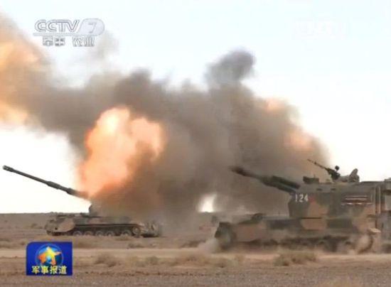 束缚军155毫米自行火炮大漠怒射