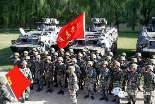 """今:济南军区某红军师""""叶挺独立团""""2营4连"""