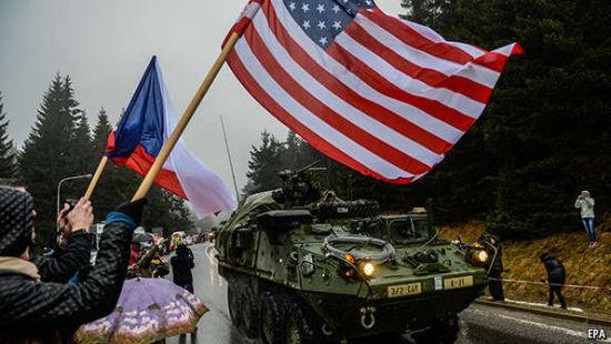 """2015年4月美国""""龙骑旅行""""行军演习经过捷克境内"""