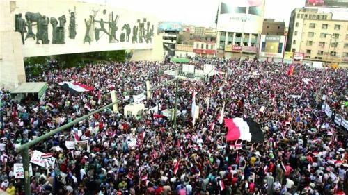 伊拉克民众集会抗议腐败。