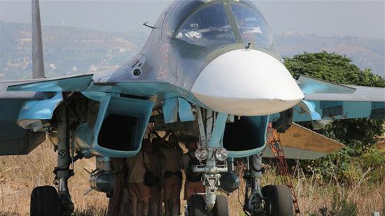 俄军苏34战争轰炸机