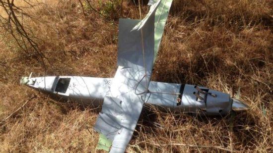 土耳其发布的被击落无人机残骸,其细节与俄军经常公开的Orlan-10无人机还是有很多差别的,不过有外国网友发现这具残骸和在乌克兰东部被乌军击落的另一架无人机一样。