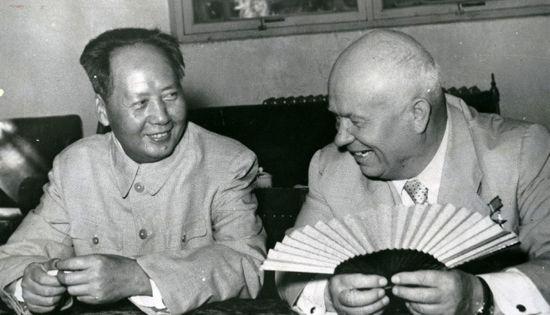 资料图:1958年赫鲁晓夫与毛泽东