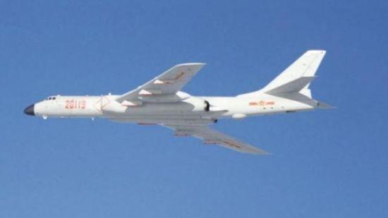 8架得到侦察监视和电子情报飞机支持的轰炸机27日在