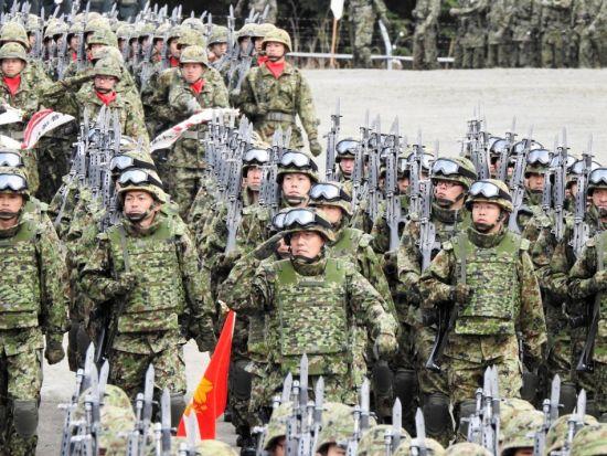 2015年4月19日,日本陆上自卫队第6师团在神町驻屯地举行阅兵式活动,纪念其成立53周年。