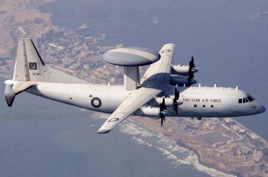 ZDK-03型预警机由中国制造的一款中型预警机,其搭载了了电子扫描有源相控阵雷达系统,是中国运-8预警机家族为巴基斯坦定制的新改型,目前已经出口到巴基斯坦。此前曾有消息称,巴基斯坦空军向中国订购了4架该型预警机。