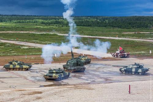 俄海军举办战车技能大赛堪比国际坦克大赛