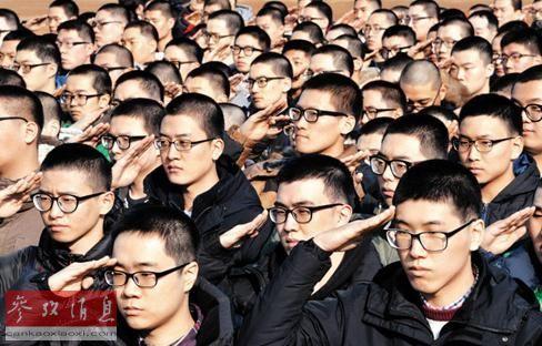 韩国军方拟解禁智能手机消除部队生活孤立感