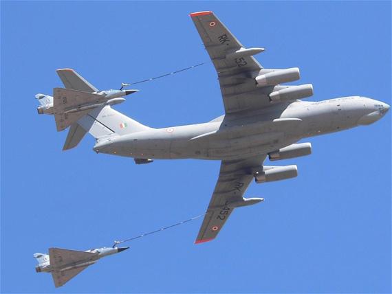 图文:印度空军幻影2000与伊尔78MKI加油机伴飞