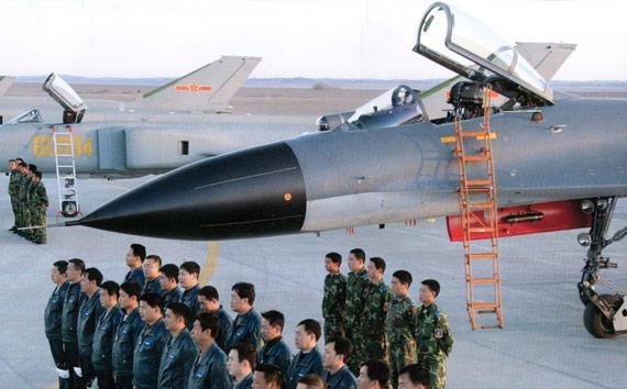 图文:中国空军最新国产歼11B战机