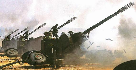 中国研制新型越野车机动双35毫米自行高炮(图)