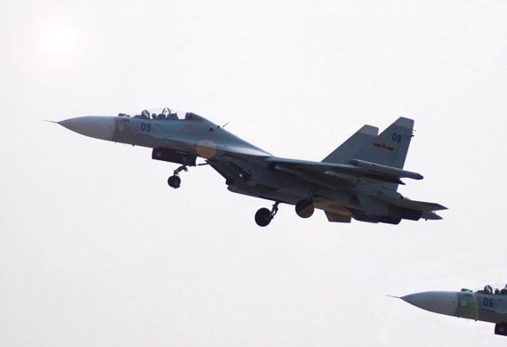 图文:中国海航苏30MKK双机编队