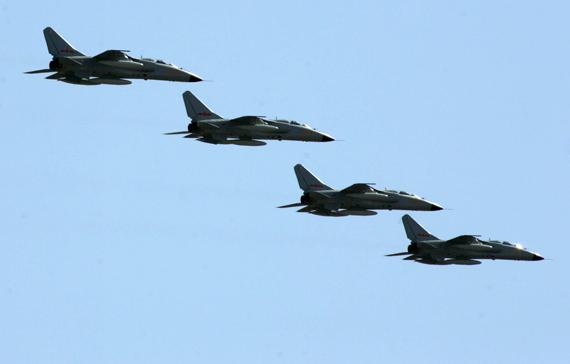 解放军实现雄心的最高标准是能击败美国空军
