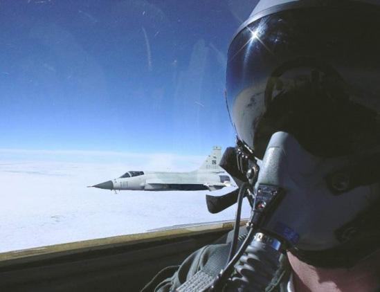枭龙性能深度分析:基本上能对抗苏-30米格-29