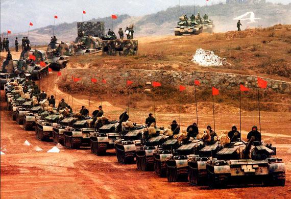中国军费紧张需将老坦克装甲车改进后继续服役