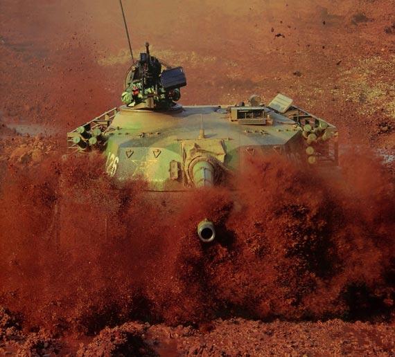 美国专家称中国正在向一流军事强国大踏步迈进