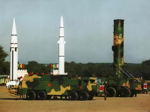 中国二炮新型导弹可激烈电磁对抗中命中目标