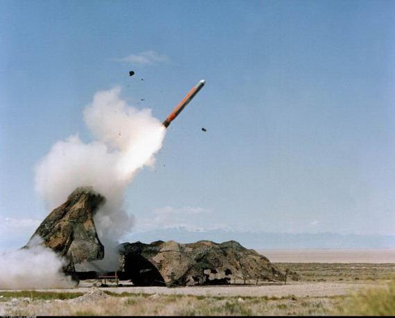 图文:据说是二炮的陆基巡航导弹