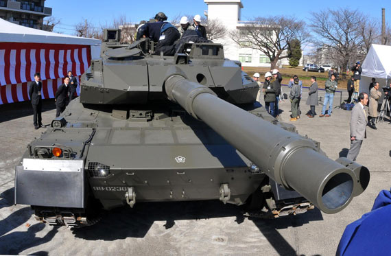 日本最新TK-X超轻型MBT属于三代半坦克(组图)