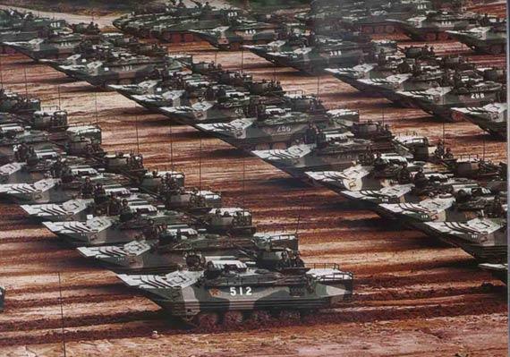 我军两栖机步师突击力居世界前列适合首波攻击