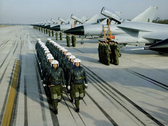英国军事记者分析中国空军战机更新计划(组图)