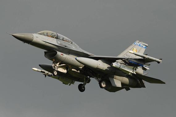 图文:台湾空军计划向美国购买最新F-16战机