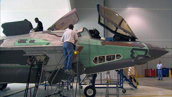 图文:F-35B按进度于今年春末夏初进行飞行典礼