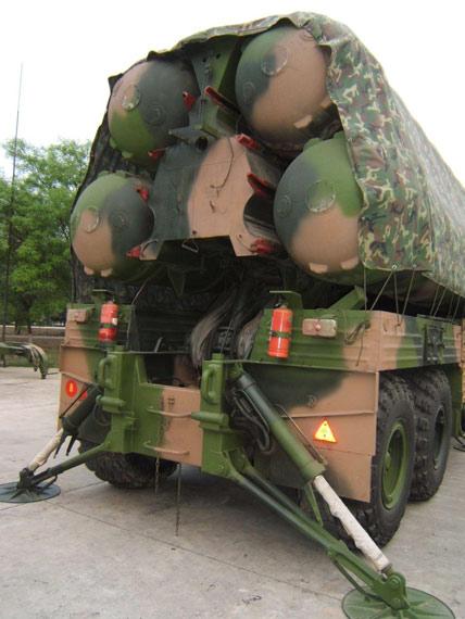 解放军陆军装备有大量俄制S 300防空导弹