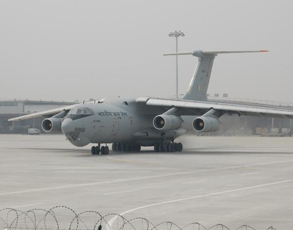 军报:救灾启示中国应加强研发大型运输机(图)