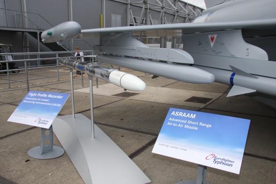 图文:台风战斗机空空导弹