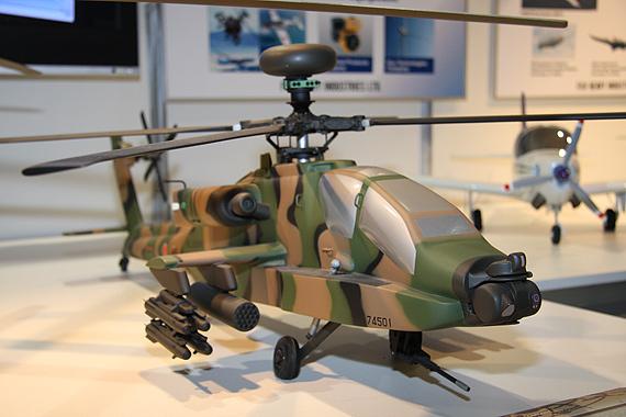 图文:波音授权日本日本生产的AH-64DJ直升机