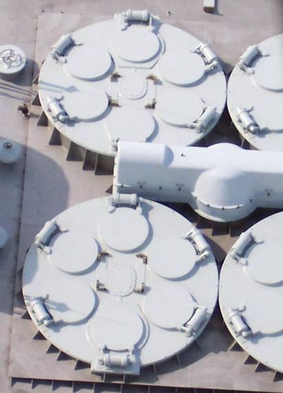 解放军同时装备三款新型舰载导弹垂发系统(图)