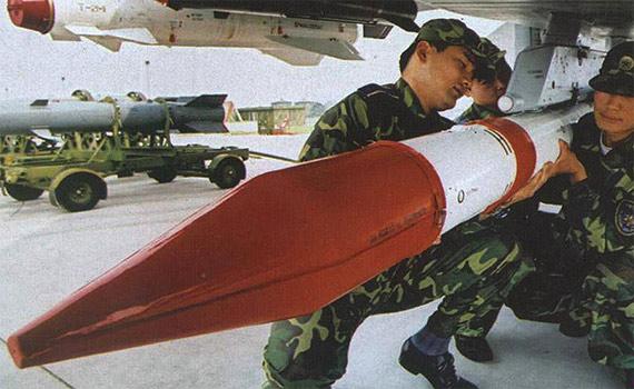 美国媒体称中国霹雳12导弹动力性能超俄制R77