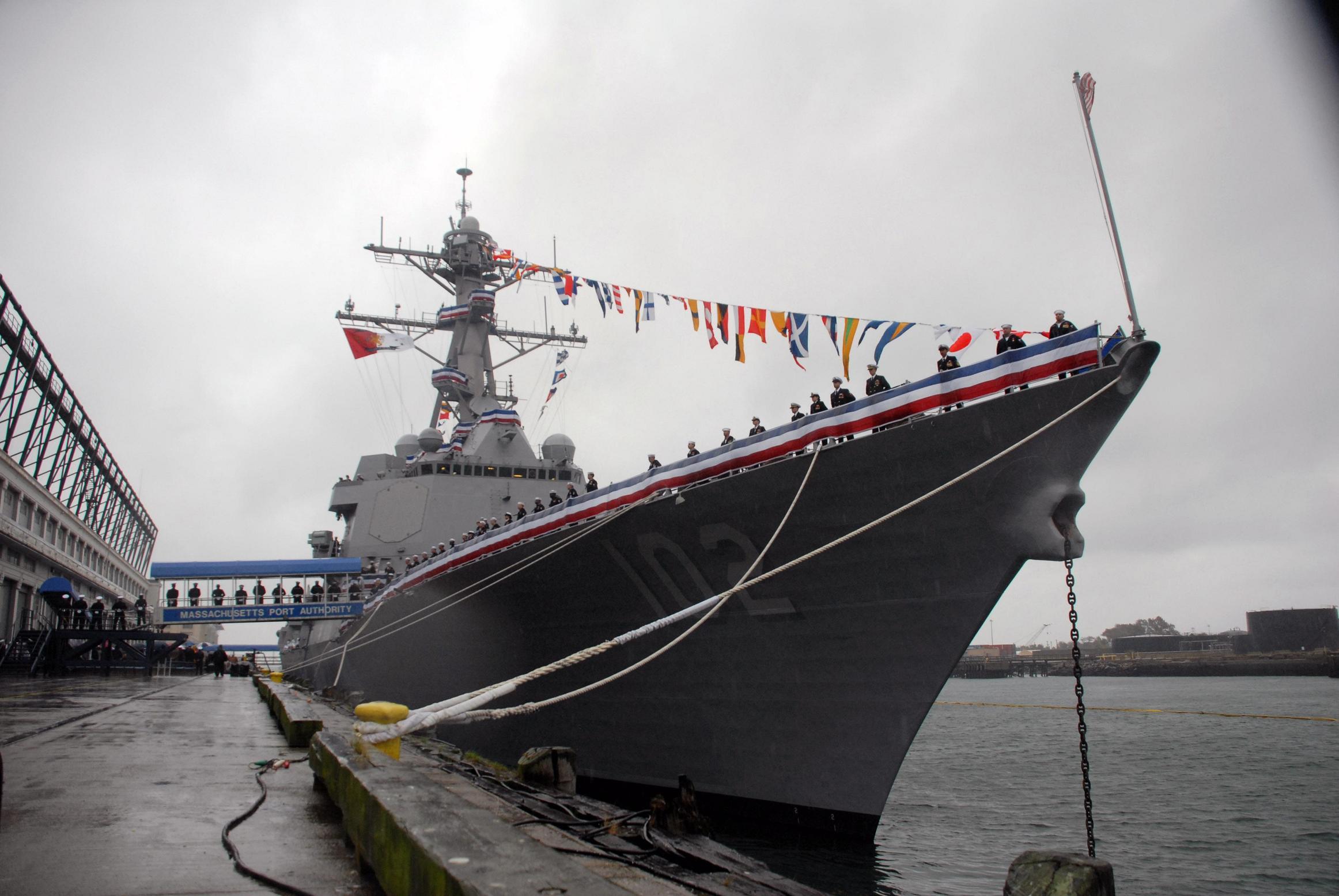 图文:美军希望新型阿利-伯克级舰员到减少到200人