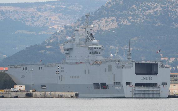 图文:法国西北风级两栖攻击舰