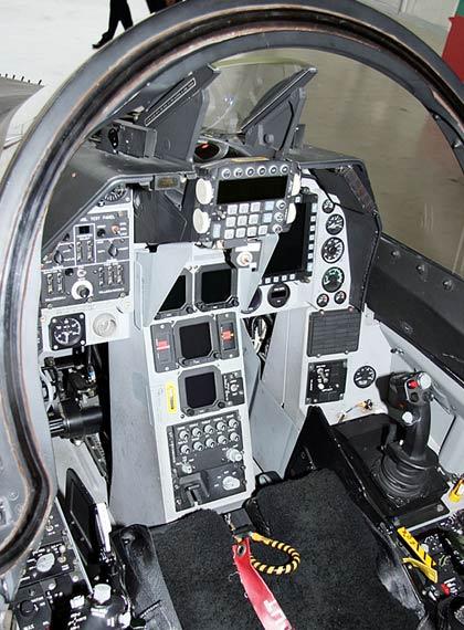 T-50高级教练机的座舱细节特写