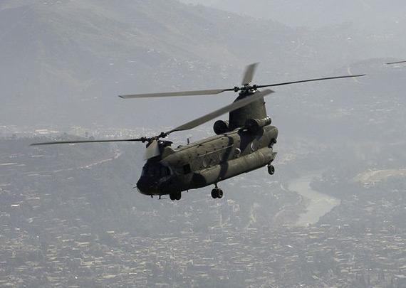 图文:美军ch-47直升机起飞重量超过24吨