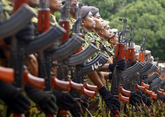 斯里兰卡军队装备中国56-2突击步枪
