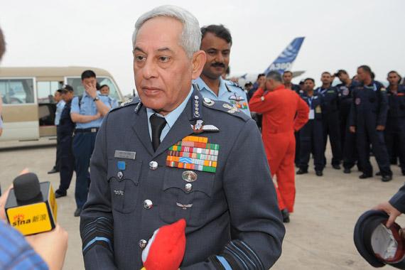 印度空军司令法利・H・梅杰上将接受专访。(陈诚摄新浪网独家版权,禁止转载)