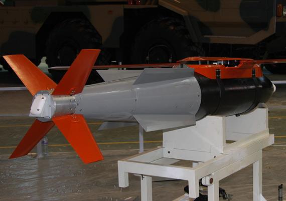 在研FT-2激光制导炸弹后视图摄影:门广阔新浪独家图片,未经许可不得转载。