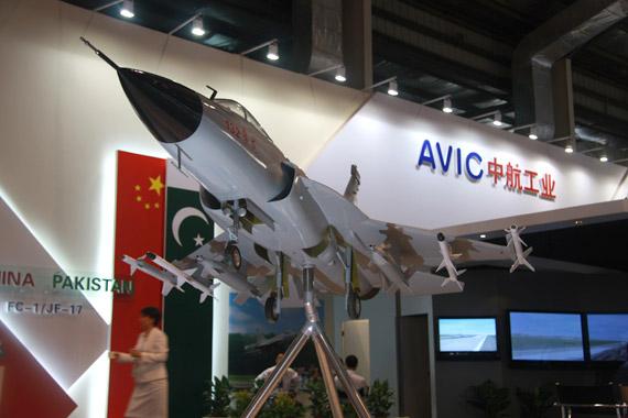 中国空军需要装备枭龙战机打造高低搭配机群