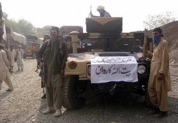 塔利班武装11日晚劫持超过12辆联军卡车