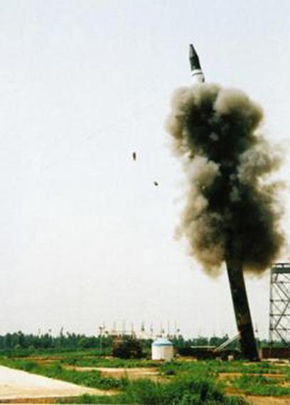 资料图:二炮部队东风-31A战略导弹发射