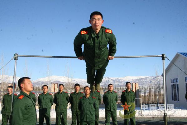 组图 武警部队队列训练图片