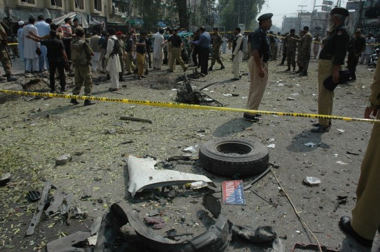 9 26, Pakistan Peshawar city police blocked a car bomb explosion site. Xinhua News Agency issued