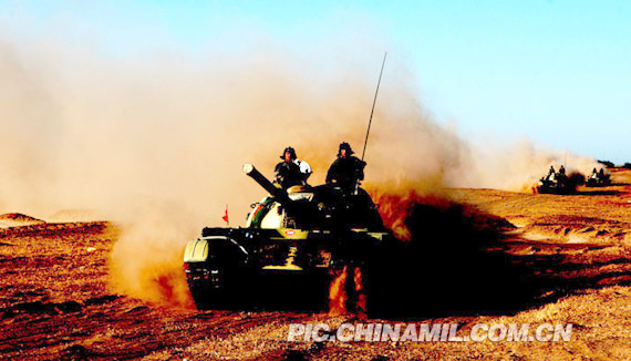 The Department of tank formations Horqin grassland drill 。