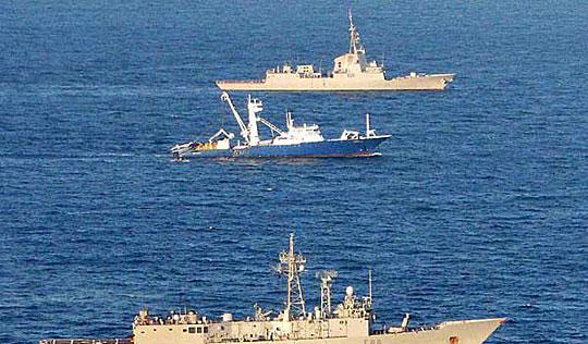 组图:西班牙渔船从索马里海盗手中获释!!