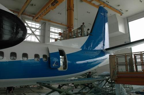 图文:西飞总装厂中的新舟600飞机