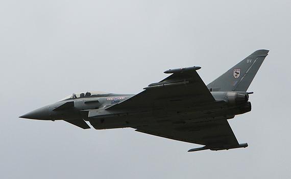 图文:台风战机亮相