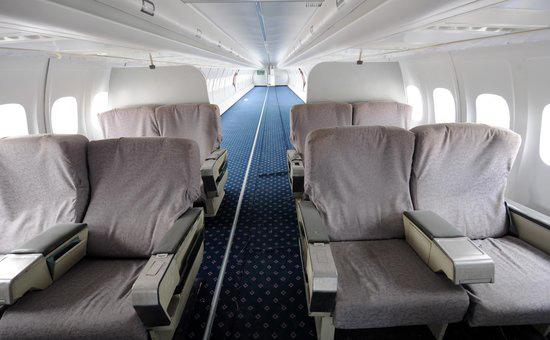 厦门学校购买波音737飞机当教具